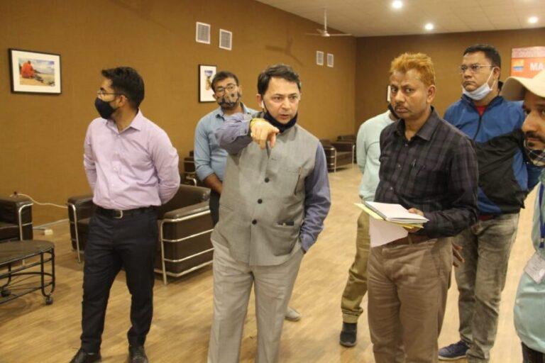 सूचना महानिदेशक रणवीर सिंह ने कुंभ मीडिया सेंटर मे उत्तराखंड की संस्कृति दिखाने के दिया निर्देश
