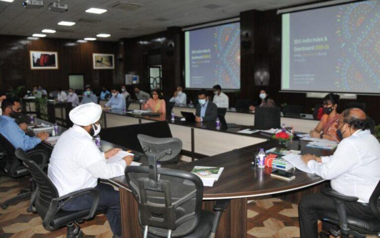 मुख्य सचिवओमप्रकाश ने सतत् विकास लक्ष्य  तथा मल्टीडायमेंशनल पाॅवर्टी इंडेक्स  पर  कार्यशाला का शुभारम्भ किया