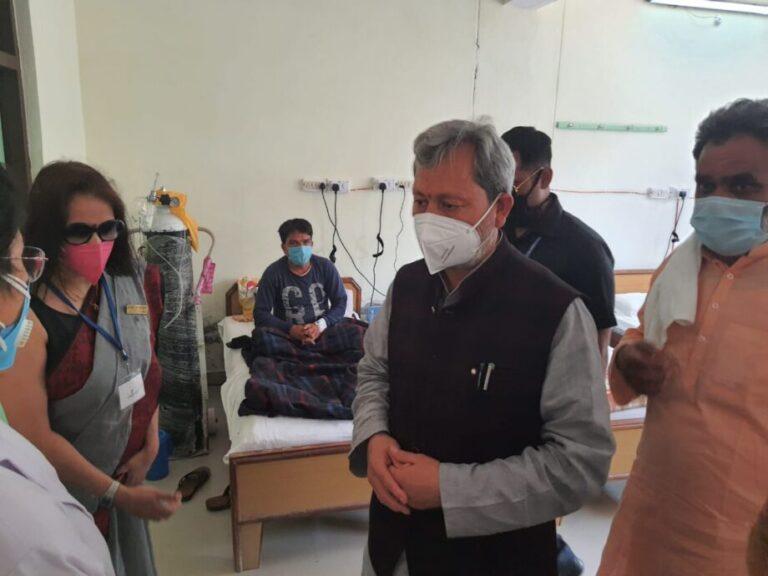 कोविड अस्पताल का सीएम तीरथ ने किया उद्घाटन