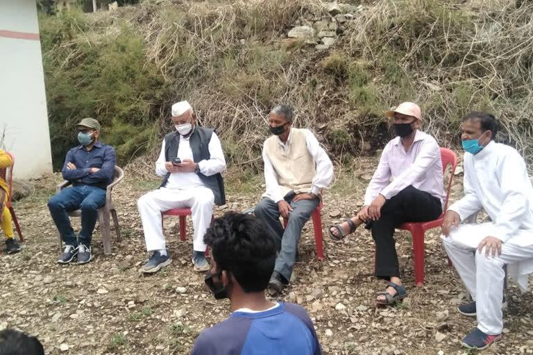 आपदा प्रभावित गांव पहुंचे विधायक, सुनी लोगों की समस्याएं