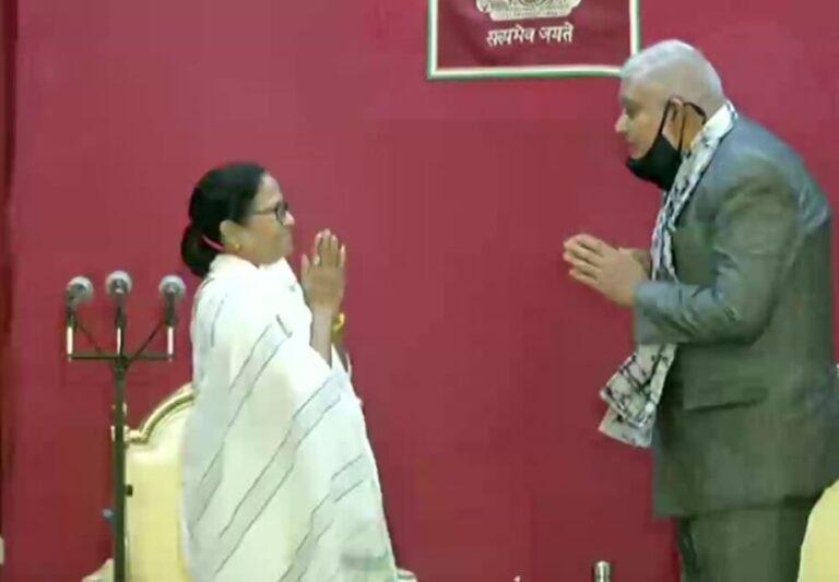 तीसरी बार प.बंगाल की मुख्यमंत्री बनीं ममता बनर्जी
