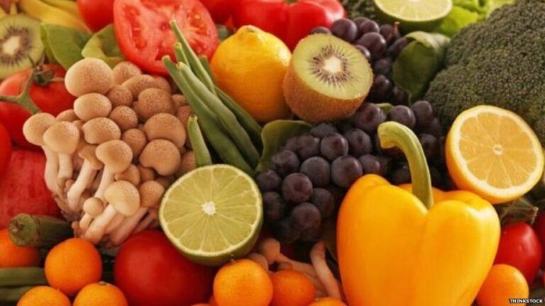लोगों की बढ़ी परेशानीःआसमान छूने लगे फल और सब्जियों के दाम