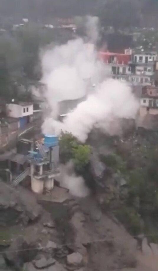देवप्रयाग में बादल फटने से भारी नुकसान की असंका