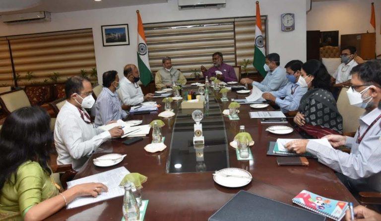 मुख्यमंत्री तीरथ सिंह रावत ने नई दिल्ली में  राज्य मंत्री स्वतंत्र प्रभार प्रहलाद सिंह पटेल से भेंट की
