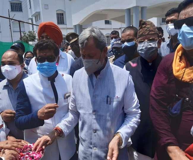 सीएम ने रुद्रपुर जिला अस्पताल में ऑक्सीजन प्लांट का किया लोकार्पण