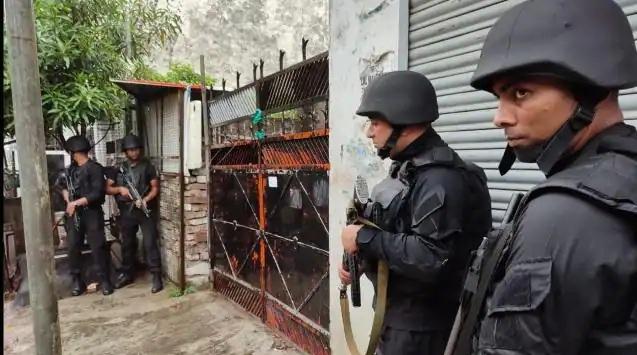 अलकायदा के 2 आतंकी गिरफ्तार, कुकर बम बरामद