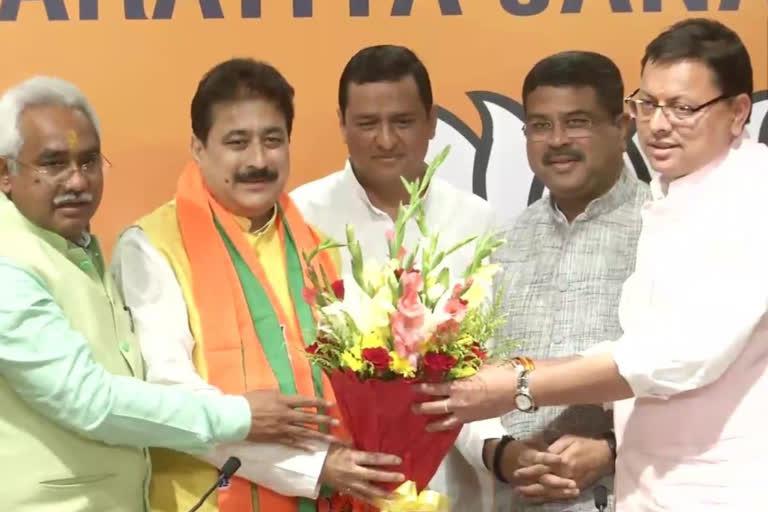 कांग्रेस को फिर झटका,विधायक पुरोला राजकुमार भाजपा में शामिल