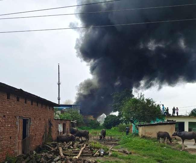 लालतप्पड़ की लीसा फैक्ट्री में लगी भीषण आग, लाखों का नुकसान