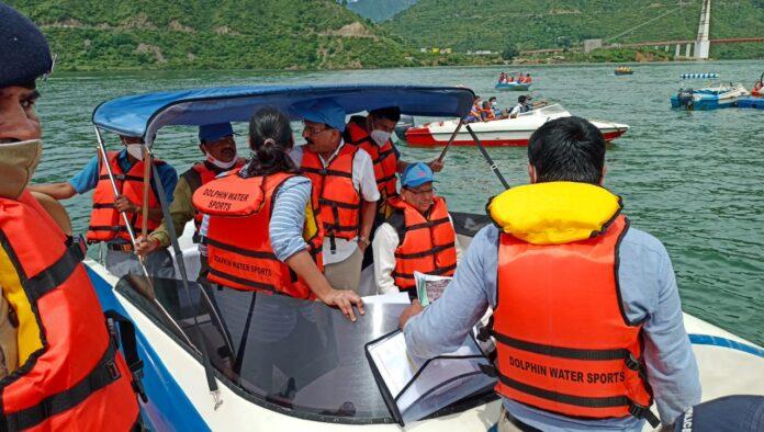 टिहरी झील में पर्यटन की अपार संभावनाएंः धामी