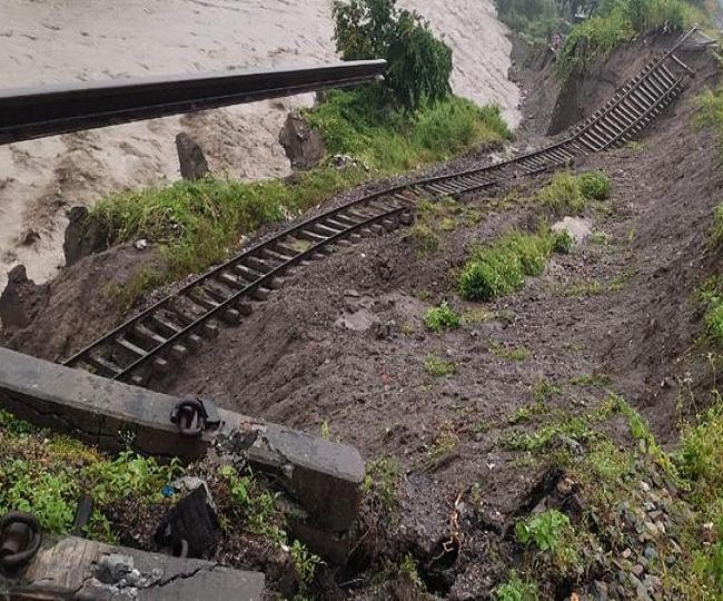 रामनगर के रिजॉर्ट में सौ लोग फंसे