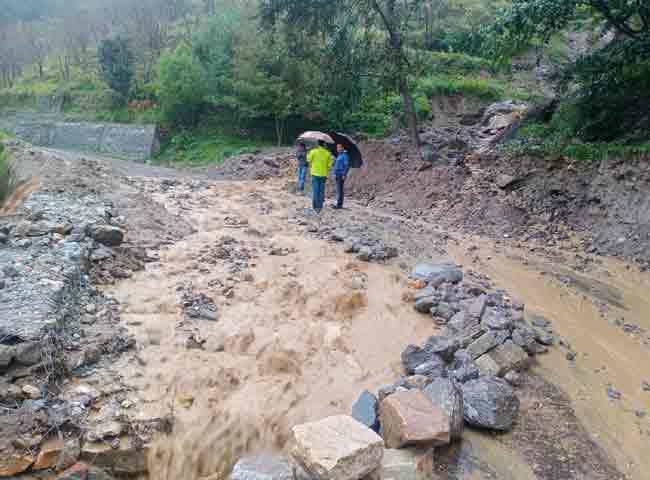 उत्तराखण्ड में बारिश का कहरः चार व्यक्तियों की मौत,सीएम धामी लगातर ले रहे स्थिति का जाएजा